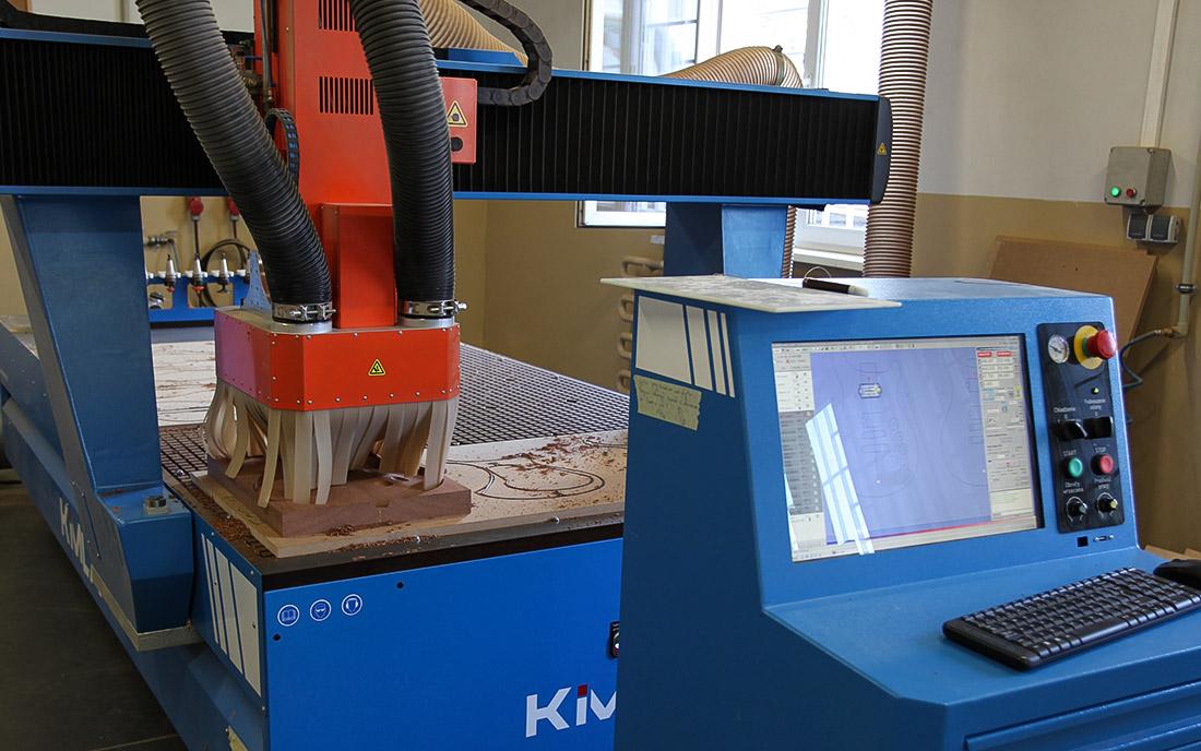 2014 - Precyzyjne wycinanie korpusu na maszynie CNC