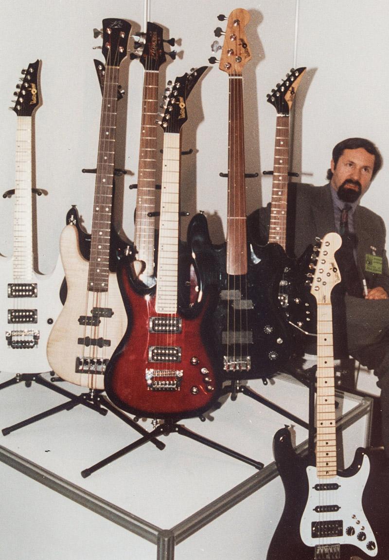 1986 - Zenon Dziewulski - założyciel firmy Mayones podczas wystawy Poznan Music Show