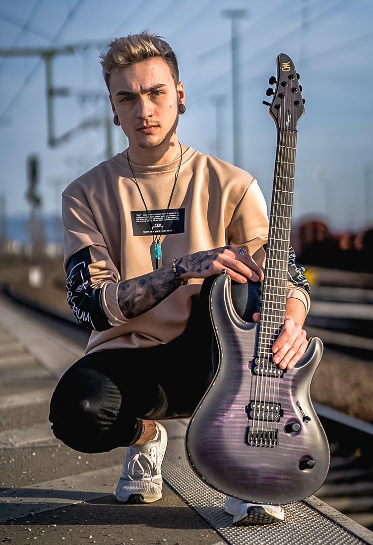 artist_guitar_tobias-stulz